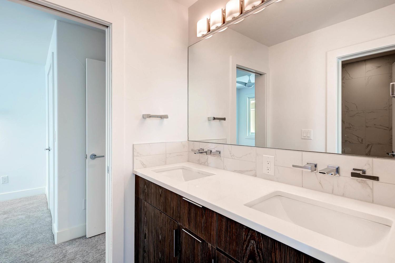 1802 Julian St Denver CO 80204-large-016-4-Bathroom-1500x1000-72dpi