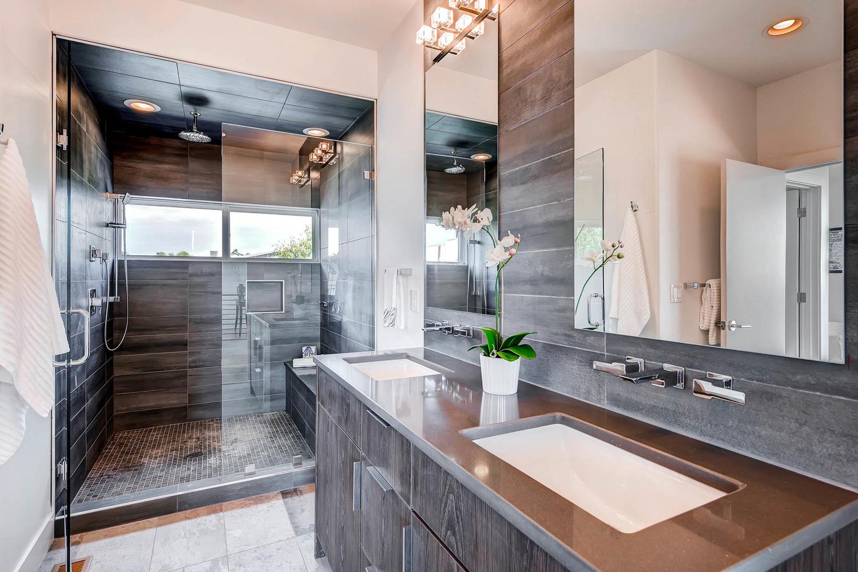 1802 Julian St Denver CO 80204-large-025-24-3rd Floor Master Bathroom-1500x1000-72dpi