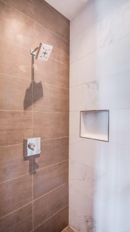 19-Master Shower