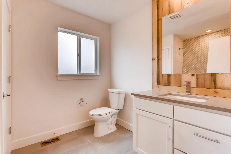 3129 Saint Paul Denver CO-large-010-6-Master Bathroom-1500x1000-72dpi