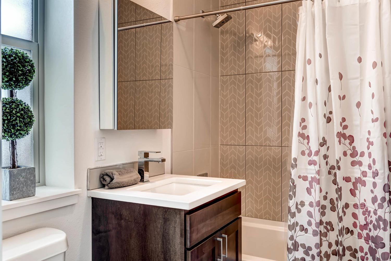 3102 Vallejo St Denver CO-large-024-16-Master Bathroom-1500x1000-72dpi