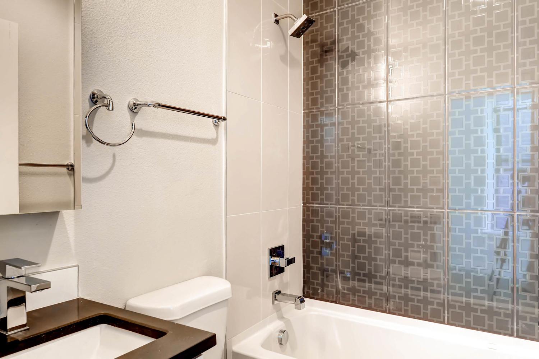 3102 Vallejo St Denver CO-large-028-13-Bathroom-1500x1000-72dpi